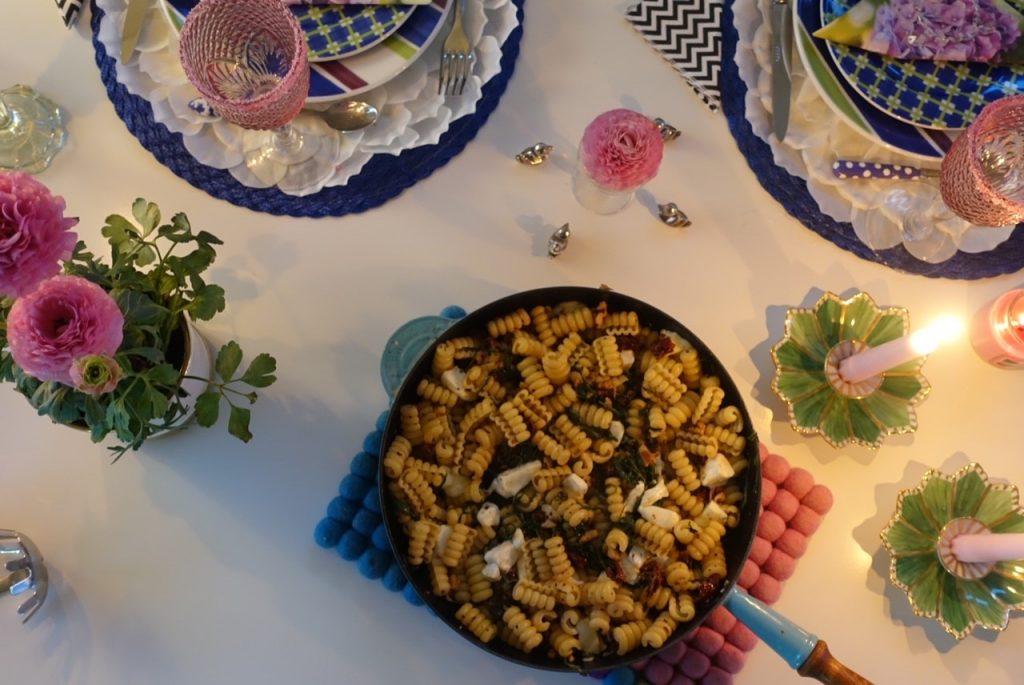 Pasta med valnötter, ruccola och mozzarella