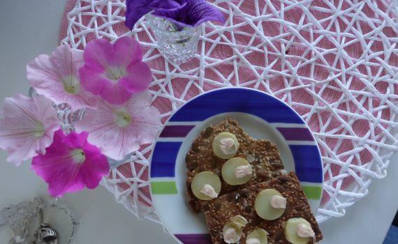 Recept på världens bästa fröknäcke och bra mellanmål