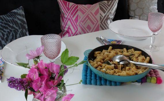Recept på pasta med Valnötter, mozzarella och ruccola